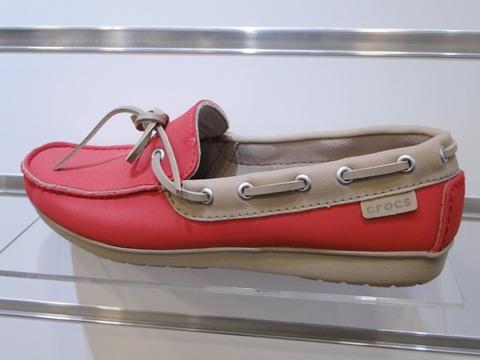 【crocs(クロックス)】wrap ColorLite loaferのpepper / tumbleweed
