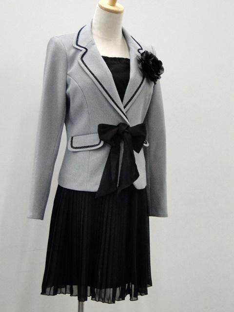 【ニッセン】異素材スーツ(変り織ジャケット+シフォンプリーツスカート)(胸当て・リボン・コサージュ付) (選べる2レングス)