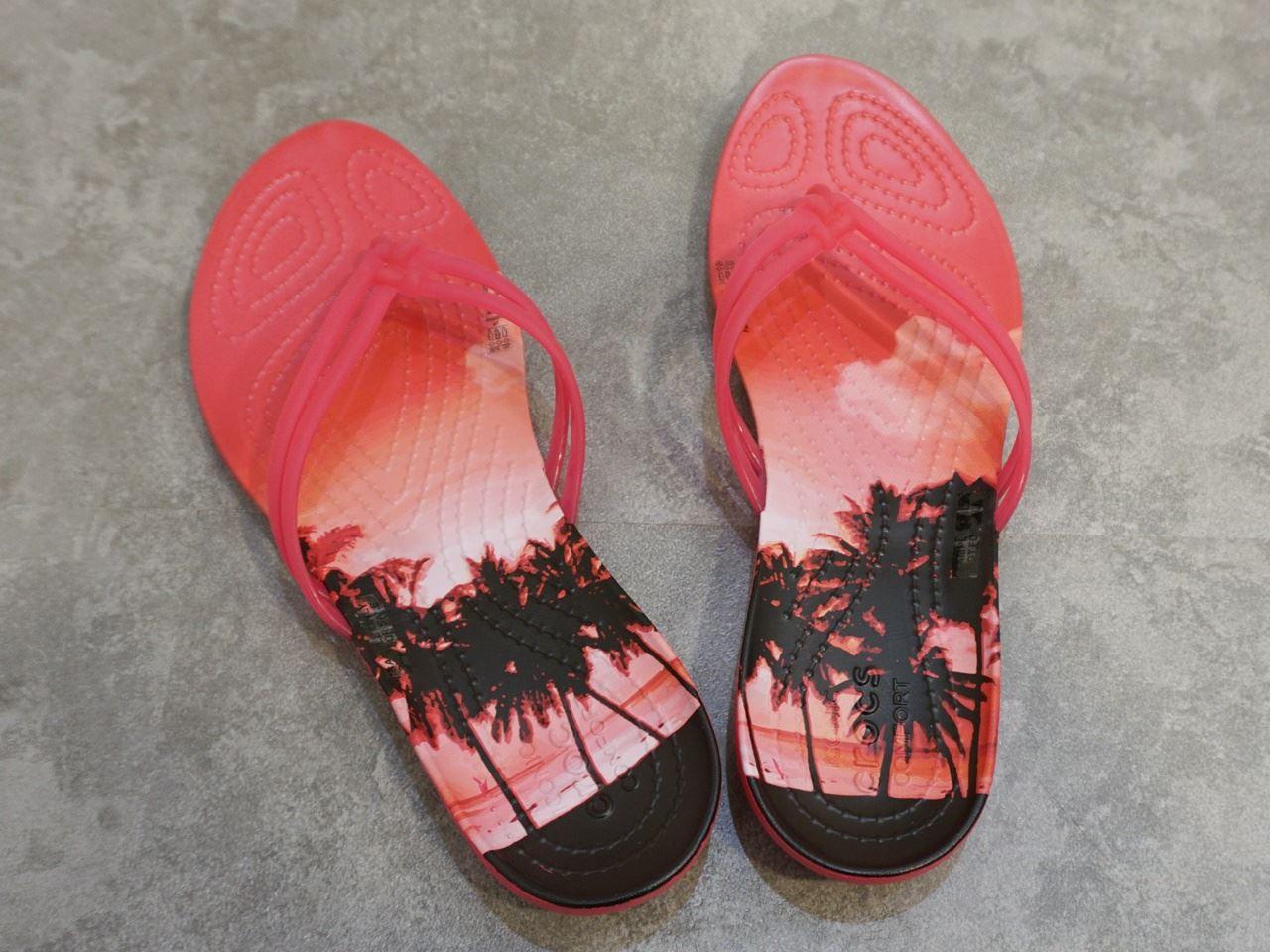 【Crocs(クロックス)】Women's Crocs Isabella Graphic Flip クロックス イザベラ グラフィック フリップ ウィメン