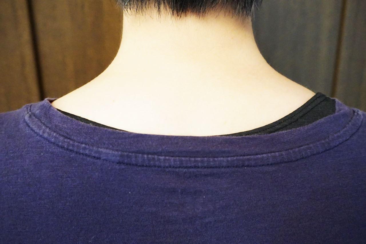 【MIZUNO(ミズノ)】≪ドライベクターエブリ≫ラウンドネック半袖シャツ(レディース)が襟元から