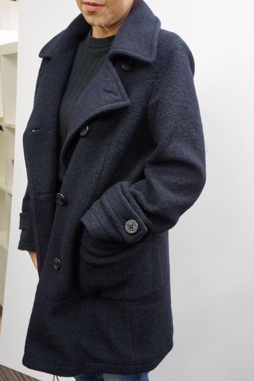 《IEDIT》 ウールがたっぷり入って軽くて暖か スライバーニット素材のこだわりPコート〈ネイビー〉