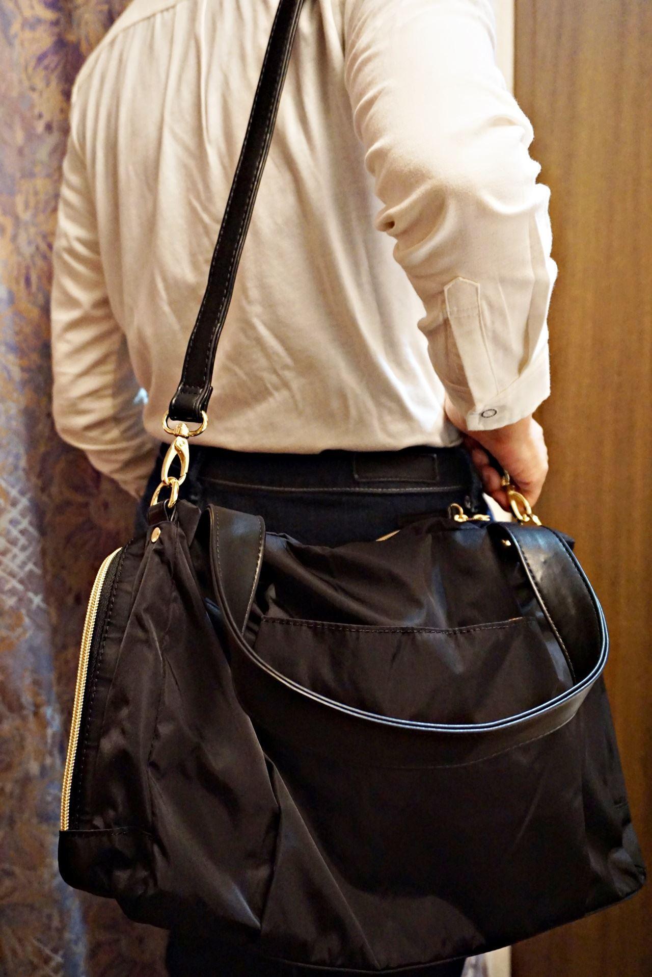 フェリシモ IEDIT[イディット] 大きく開いて中が見やすい 軽やかきれいな大人ナイロンボストンバッグ〈ブラック〉