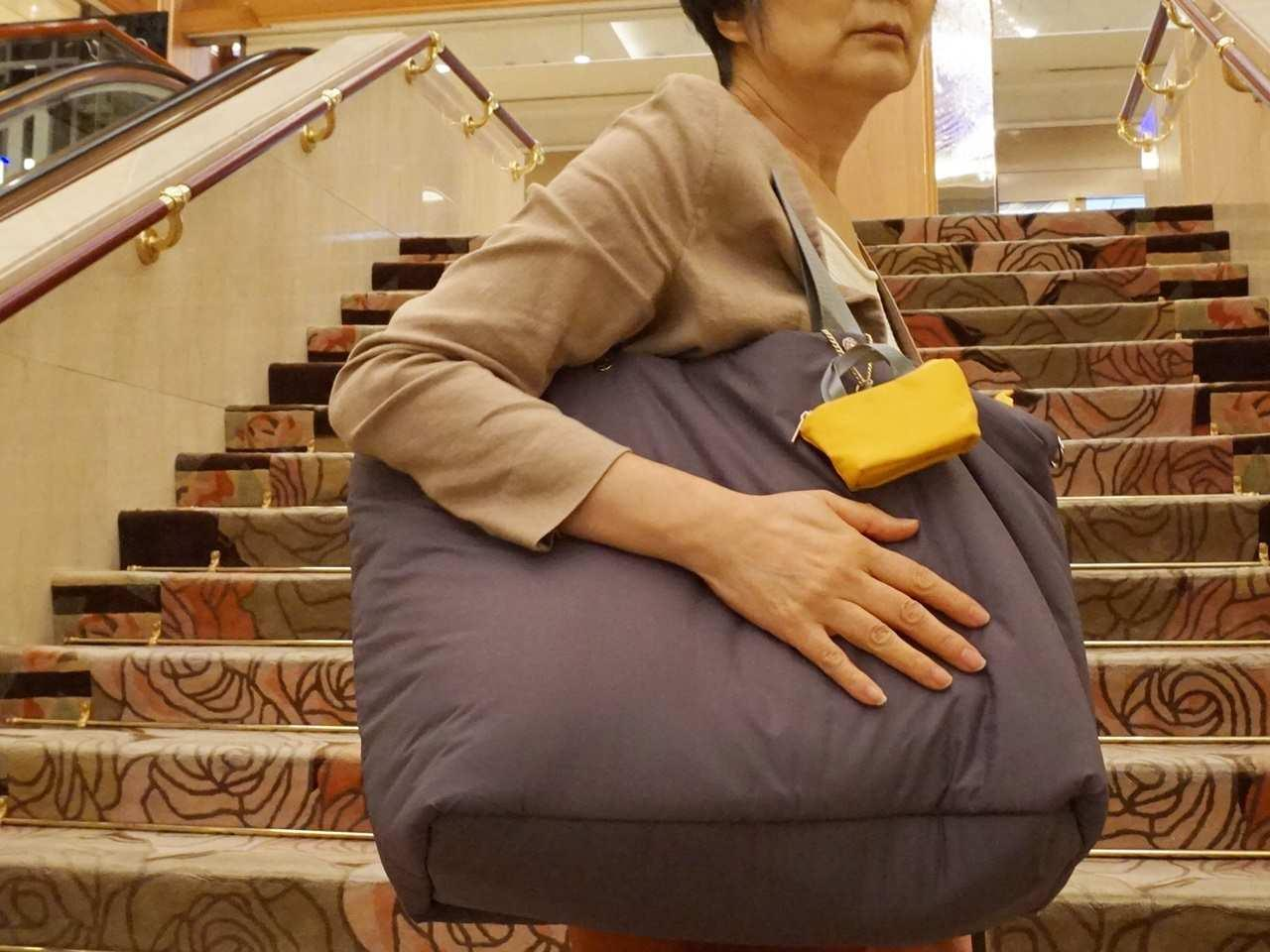 EDIT[イディット] ことりっぷとコラボ 軽量大きめトートバッグ