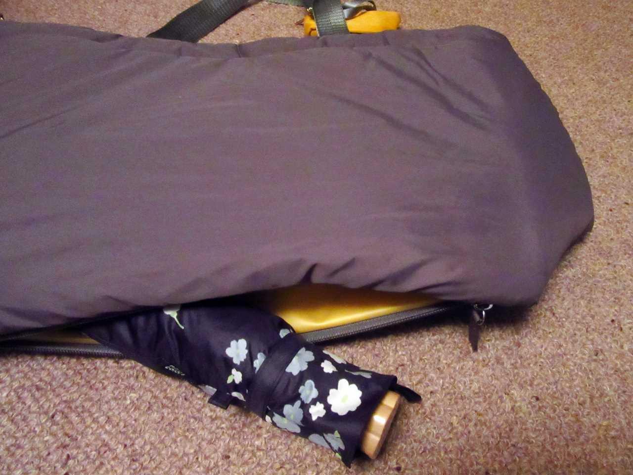 ことりっぷとコラボ 軽量大きめトートバッグの底ポケット